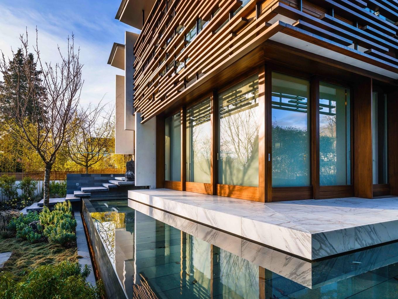 Дом в Ванкувере в восточном стиле